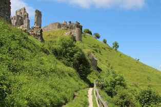 Footpath around east side of Corfe Castle