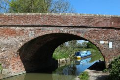 Kennet and Avon Canal, Pewsey Bridge No. 114, Pewsey Wharf