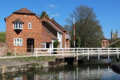 West Mills Swing Bridge, Kennet and Avon Canal, Newbury
