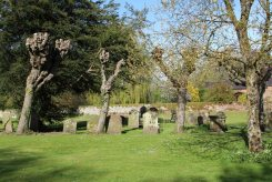 St. Lawrence Churchyard, Hungerford
