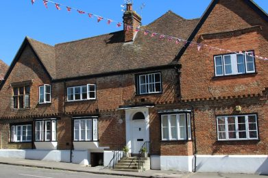 Elizabethan Court, formerly The Swan Inn, Charing