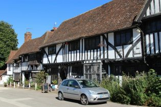 Tudor Lodge Gift Shop and The Peacock, The Square, Chilham
