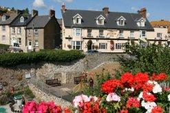Anchor Inn, from Jubilee Gardens, Beer