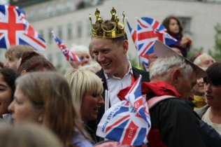 King reveller, Queen's Diamond Jubilee, Thames Pageant