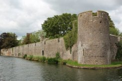 Moat, Bishop's Palace, Wells