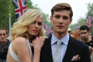 Models, The Mall. Royal Wedding, Prince William and Kate, 29th April 2011