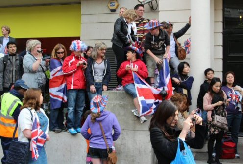 People trying to view Royal Wedding procession. 29th April 2011