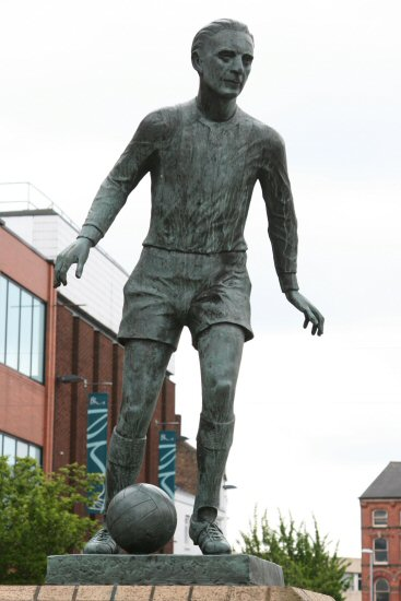 Sir Stanley Matthews sculpture, Hanley, Stoke-on-Trent