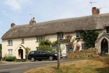Thatched cottages, Drewsteignton