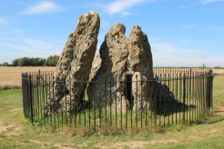 The Whispering Knights, The Rollright Stones, Long Compton