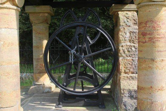 Winding wheels, St. James's Well, Abinger Common