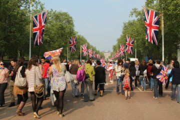 The Mall. Royal Wedding, Prince William and Kate, 29th April 2011