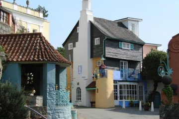 The Toll House, with the Statue of St. Peter on the Balcony, Portmeirion