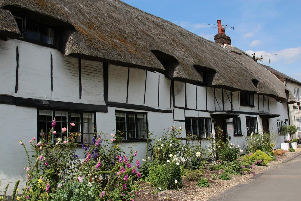 Anne Boleyn's Cottages, Tring Road, Wendover