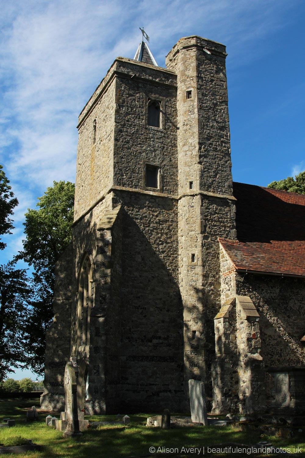 St. James' Church, Cooling