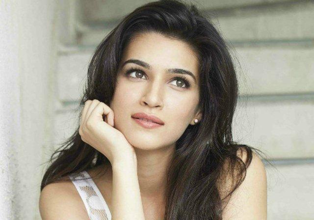 Beautiful girls in India - Kriti Sanon, beautiful indian girl image, beautiful girl image, indian girls photos, indian girls images