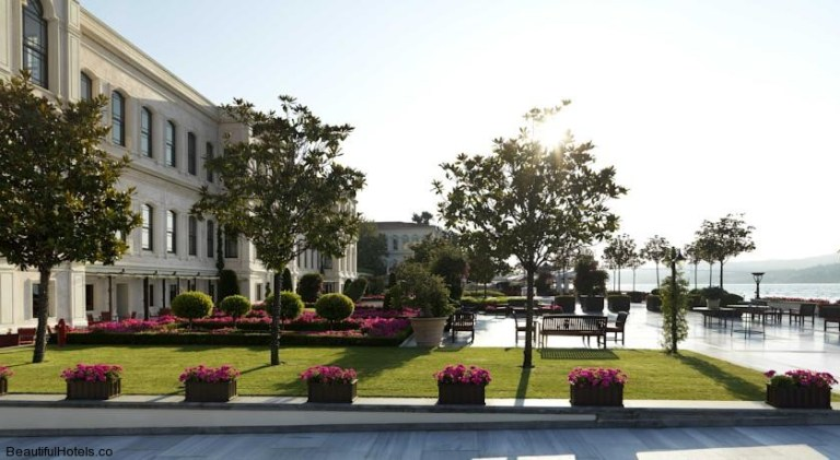 Four Seasons Istanbul at the Bosphorus (Istanbul, Turkey) 1