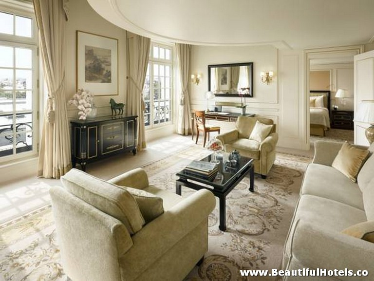 Shangri-La Hotel (Paris, France) 19