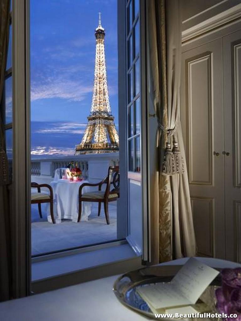 Shangri-La Hotel (Paris, France) 24