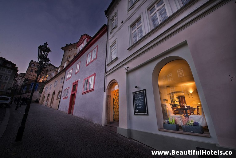 design-hotel-neruda-prague-czech-republic-1