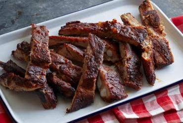 With a savory rub, succulent spareribs can be transformed into a dish guests will love. Here, sauce and herb-rub combine to give Ribs McCoy complex flavor.
