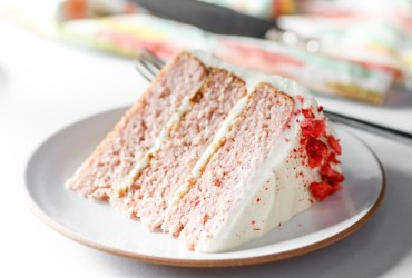 That double whammy gives the strawberry cake an all-natural flavor and color without interfering with its light and fluffy crumb.
