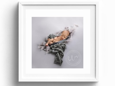 20x20 inch single image frame