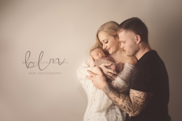 beautiful-family-portrait-with-newborn-mum-dad-epsom-surrey