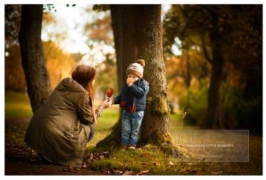 lifestyle-boy-mum-outdoor-walk-epsom-surrey-beautifullittlemoments