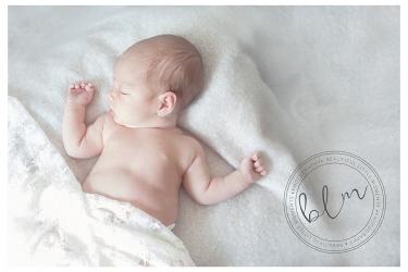 lifestyle-newborn-baby-girl-lifestyle-shoot-epsom-beautifullittlemoments