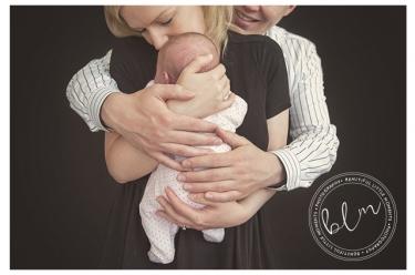 lifestyle-newborn-baby-girl-mum-dad-2-weeks-banstead-surrey-beautifullittlemoments