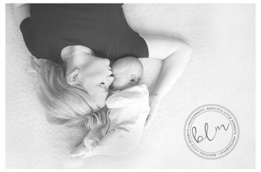 lifestyle-newborn-baby-mum-black-whiite-banstead-surrey-beautifullittlemoments