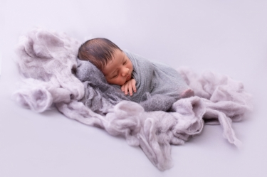 newborn-baby-boy-photo-shoot-epsom-surrey-blue-5