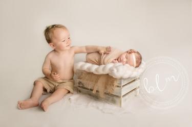 newborn-baby-photo-shoot-epsom-surrey-brother-natural
