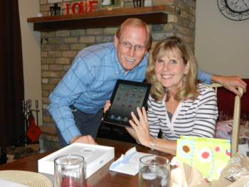 mom and dad with ipad