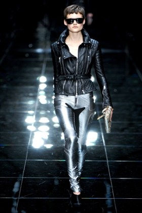 london-fashion-week-burberry-spring-2011-black-leather-trends-in-fashion