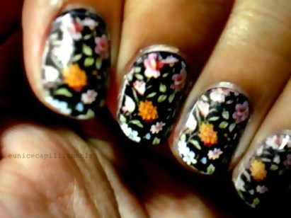 sexy-nail-in-black-nail-art-trends-in-fall-winter-2010