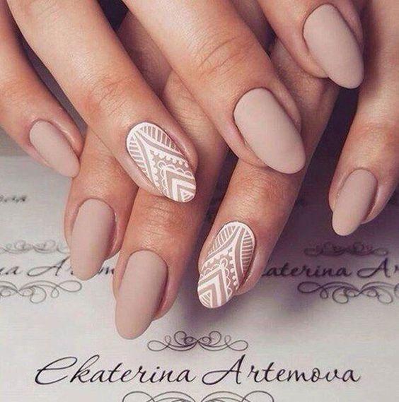 oval nail shape