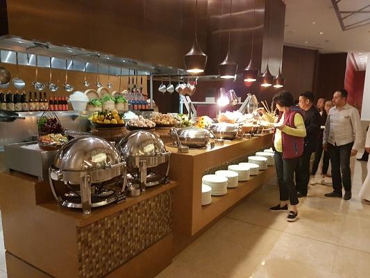 Liwan restaurant, Al Ghurair Rayhaan by Rotana, Dubai (3)