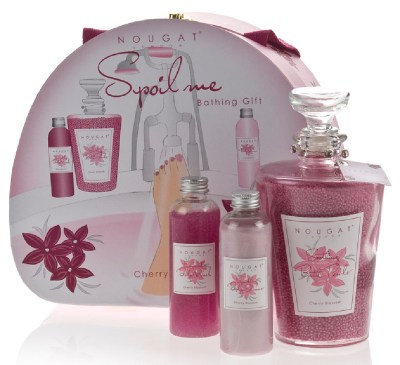 https://i1.wp.com/www.beautyandthedirt.com/wp-content/uploads/2011/03/Spoil-Me-Gift-Set.jpg?resize=400%2C365