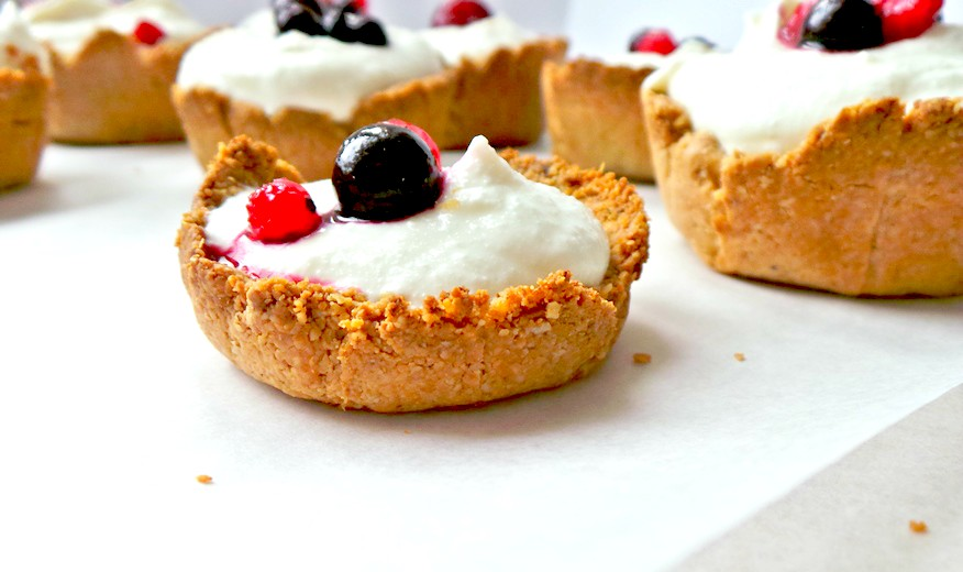 HEALTHY COTTAGE CHEESE CHEESECAKE WITH OAT CRUST