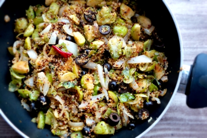 HEALTHY QUINOA WITH BRUSSELS SPROUTS RECIPE