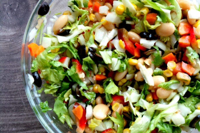 8-MINUTE HIGH FIBER SATISFYING SALAD
