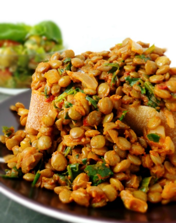 Lentils are delicious, easy to cook and super healthy. Make yourself an easy and quick healthy dinner by using one of these healthy lentil recipes. You'll get your protein and many other nutrients and you won't even miss meat! Discover the health benefits of lentils and 10 tasty, quick and easy lentil recipes!