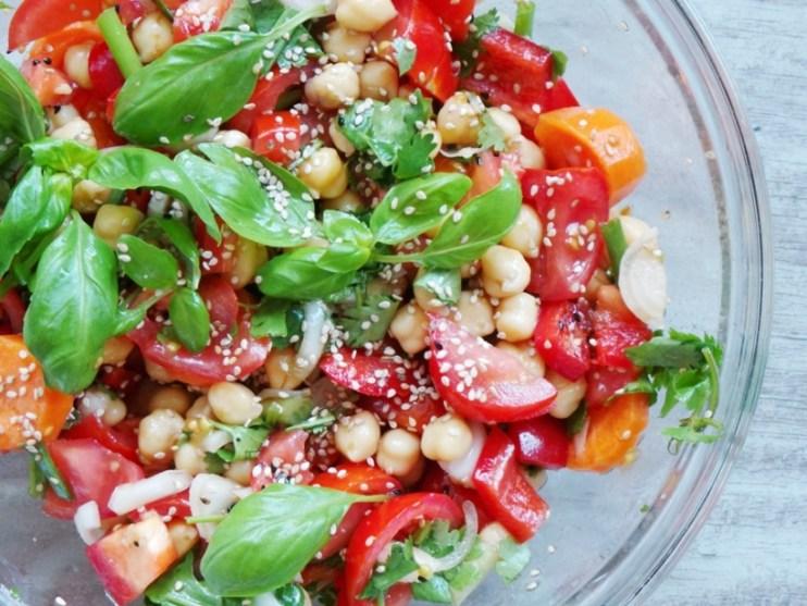 Tomato, basil and chickpea salad recipe - 1