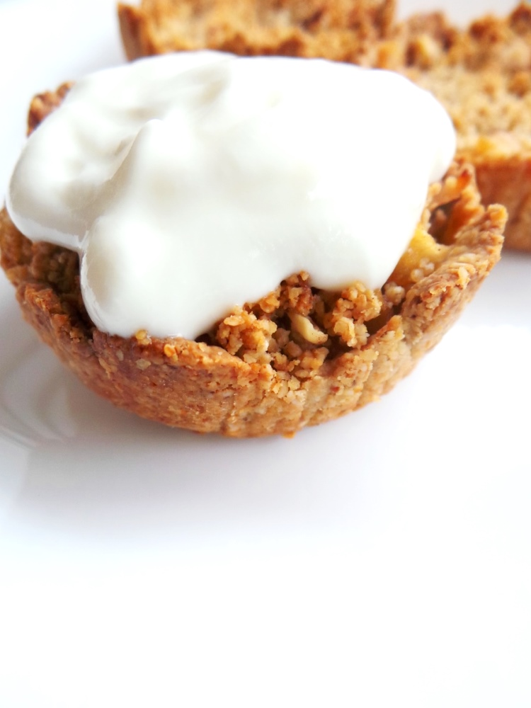 healthy apple crumble by Beauty Bites