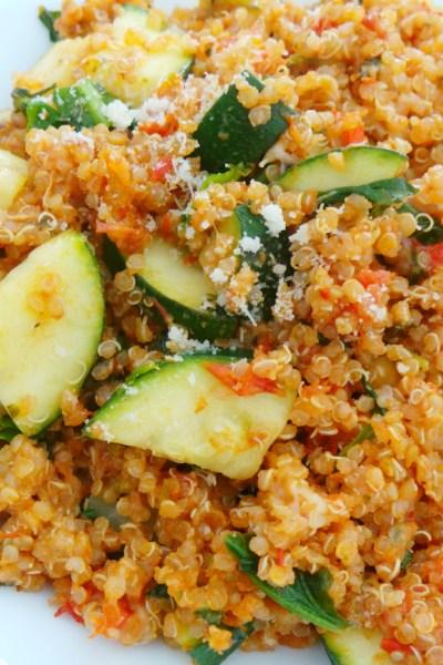 Easy Tomato & Basil Quinoa Risotto – GF, Vegetarian/Vegan Option