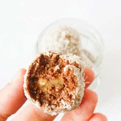 Chocolate Energy Balls With Dates And Coconut