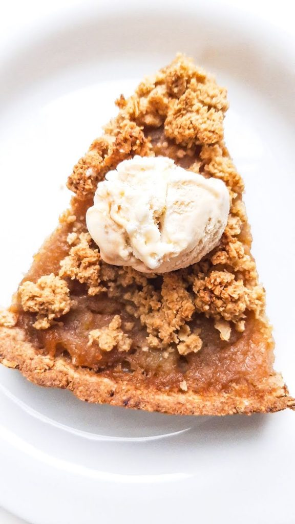 Healthy Apple Crumble Pie From Scratch! This easy homemade apple pie uses just 3 healthy ingredients for the filling and the crumble on top and in the crust is made with oats. No flour, no refined sugar, but absolutely delicious!