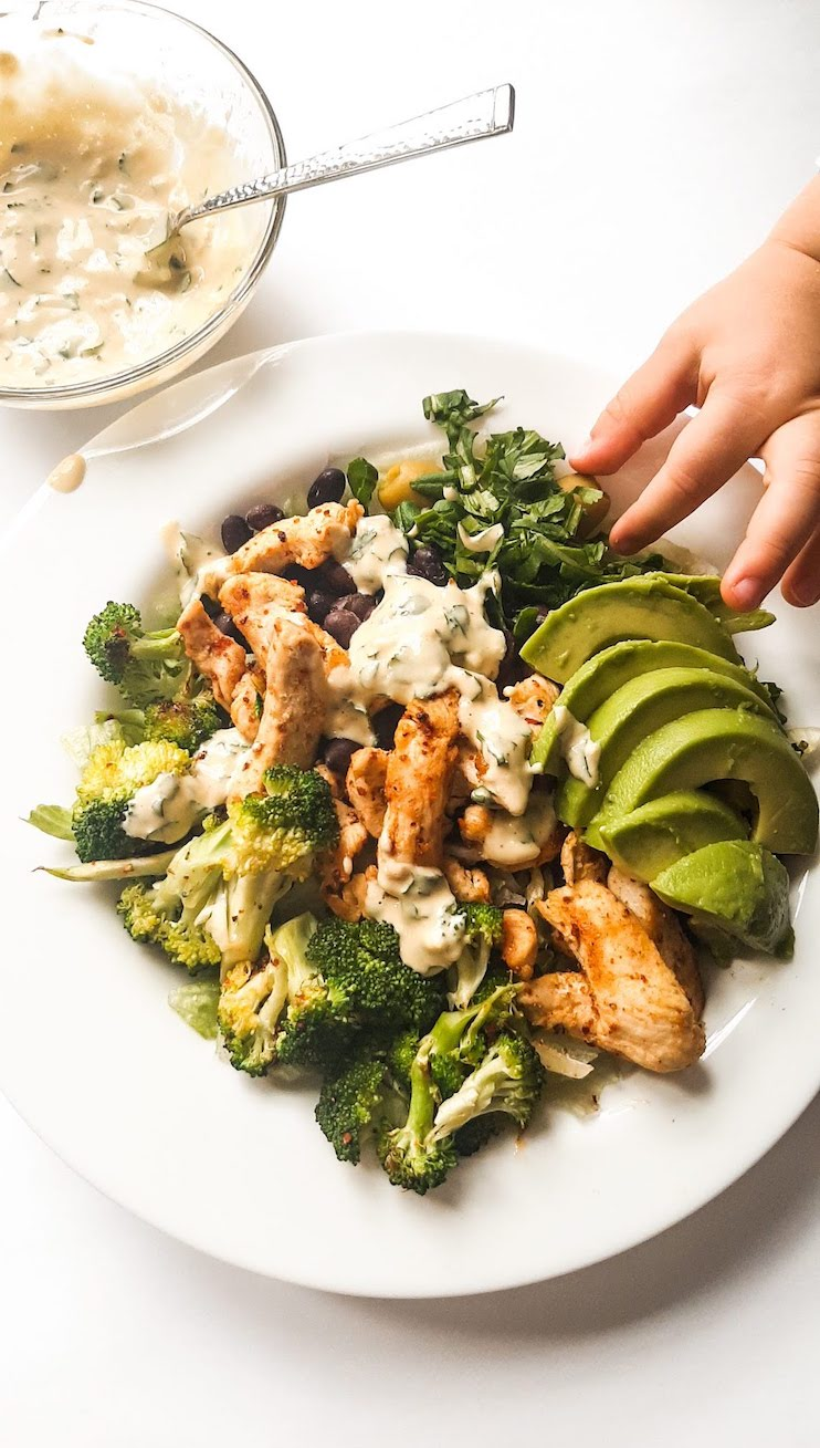 Green Goddess Meal Prep Chicken Bowls! This healthy meal prep recipe is refreshing, filling and very delicious! The recipe for the chicken bowls makes 3 servings, add some hummus and an avocado sauce to make them even better. This healthy chicken dinner recipe is gluten free and can easily be made low carb or paleo by leaving out the black beans
